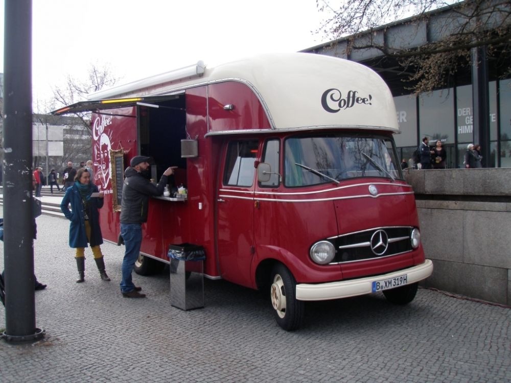 foodtruck mercedes benz 319 jahrgang 1964 wrap stars eventmanagement berlin. Black Bedroom Furniture Sets. Home Design Ideas